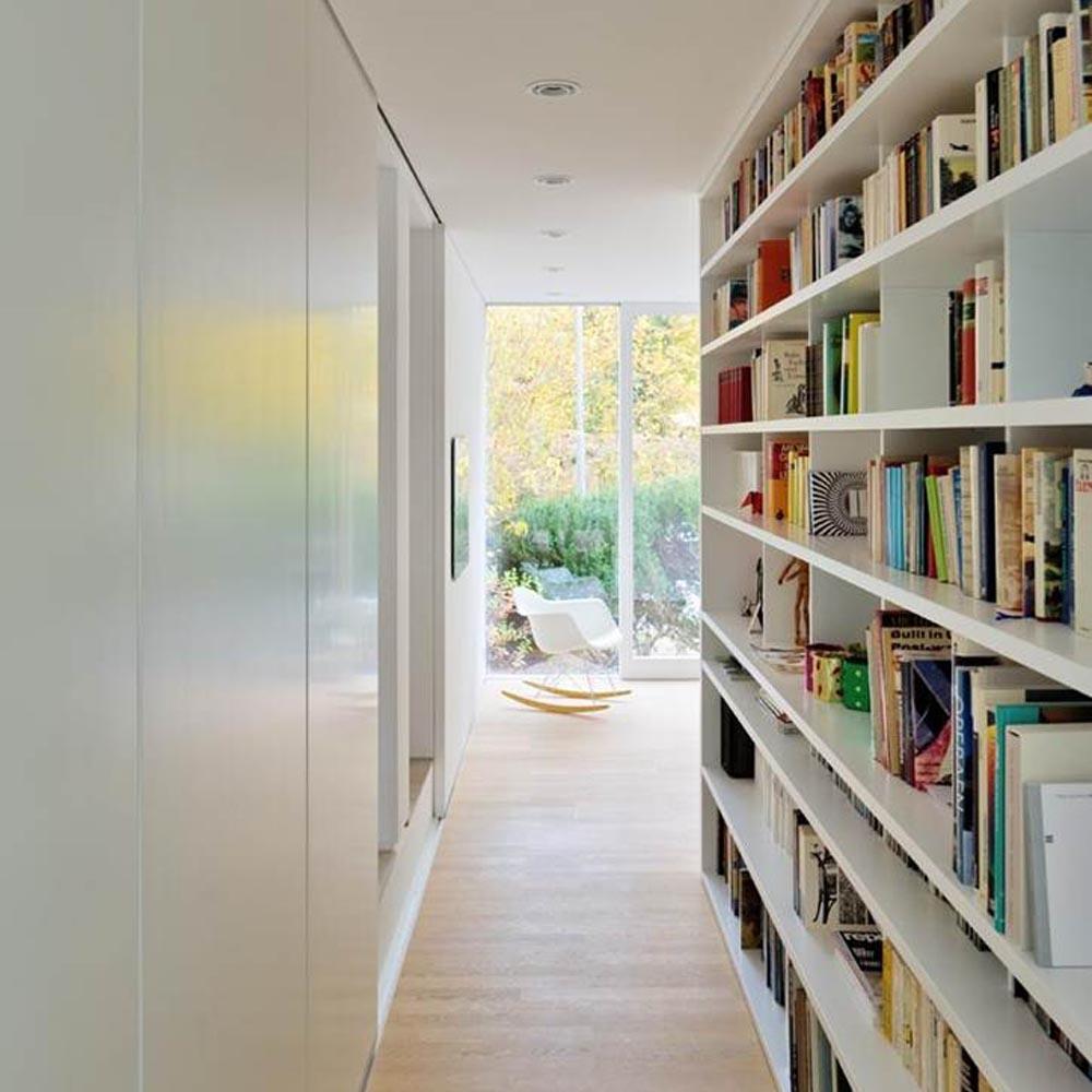 Haus W - Bücherflur