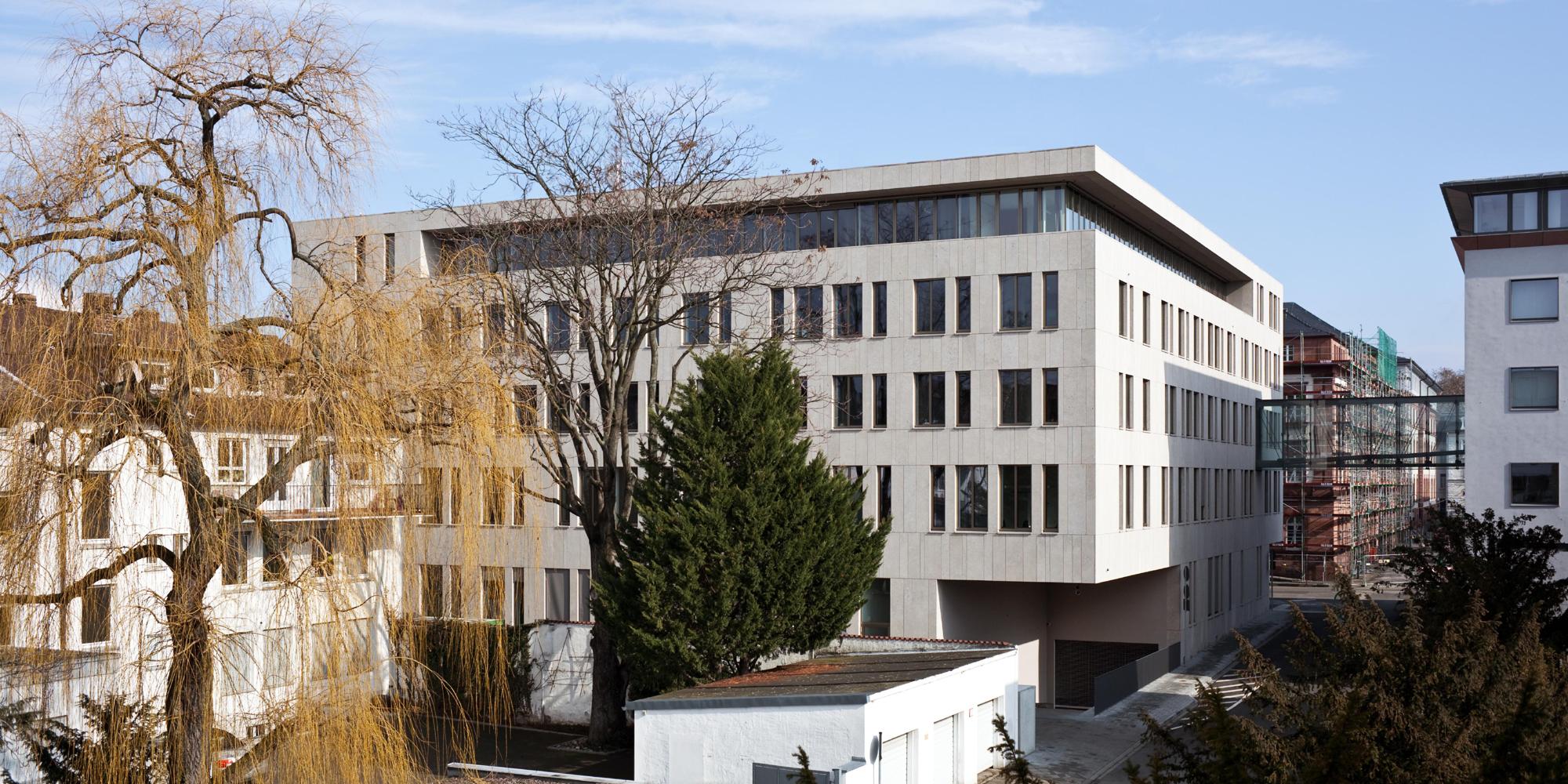 Justizzentrum - Aussenansicht