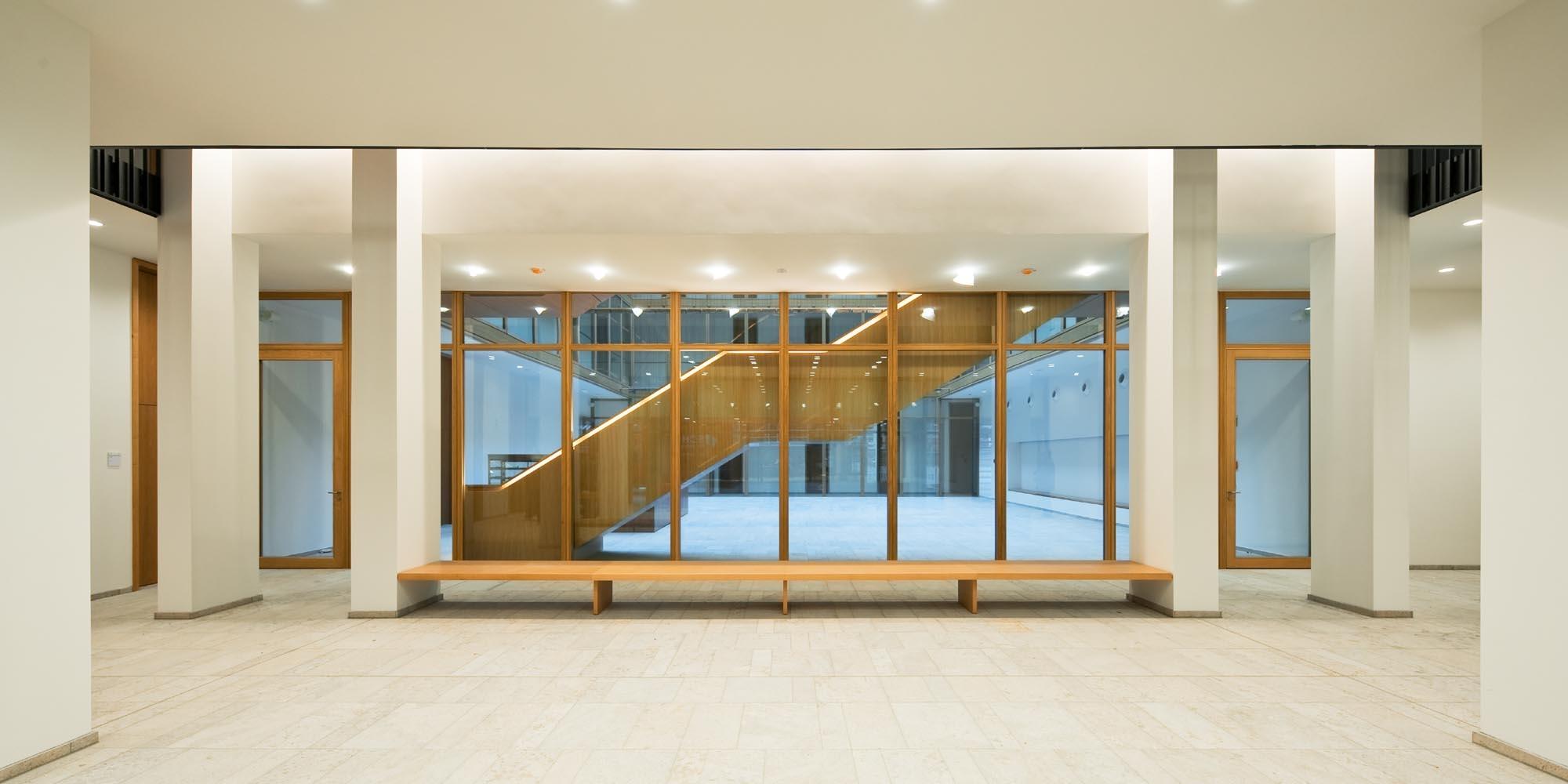 Justizzentrum - Foyer
