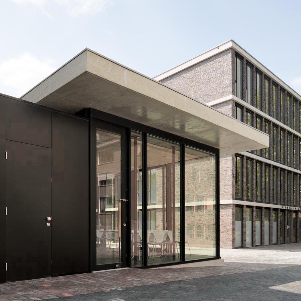 Waechter waechter mensa 2012 2eingang2 jpg waechter waechter architekten bda darmstadt - Wachter wachter architekten ...
