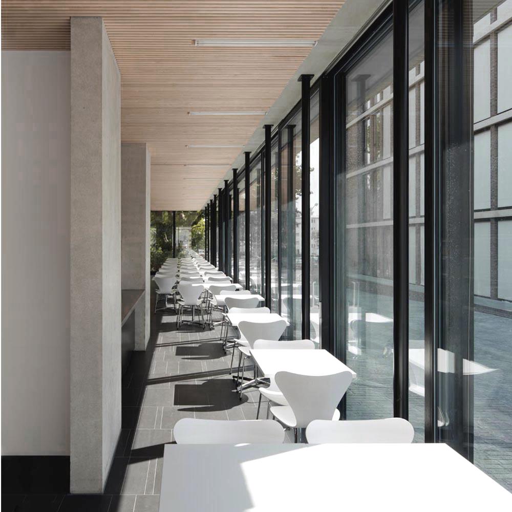 Schülermensa Innenraum Fassade