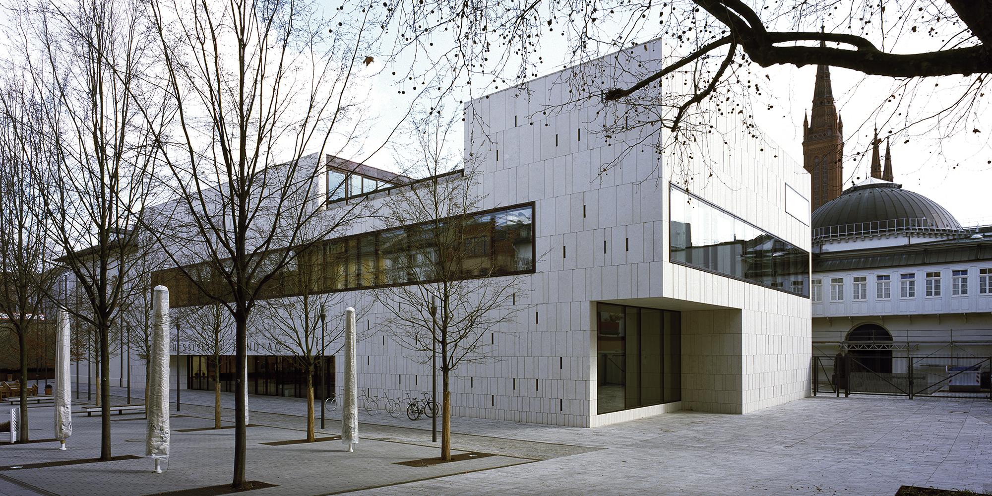 Plenarsaal Hessischer Landtag Aussenansicht Grabenstraße