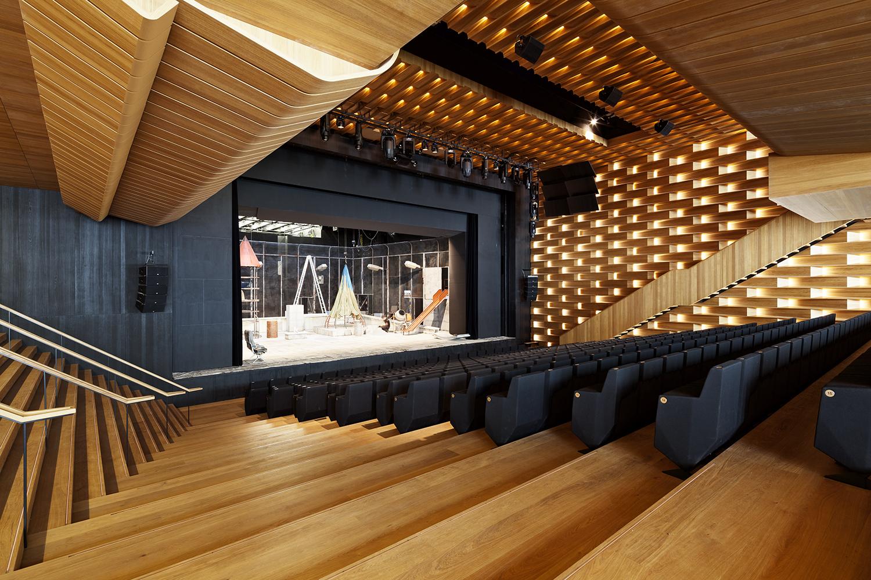 Theater_und_Philharmonisches_Orchester_Heidelberg_Neuer_Saal