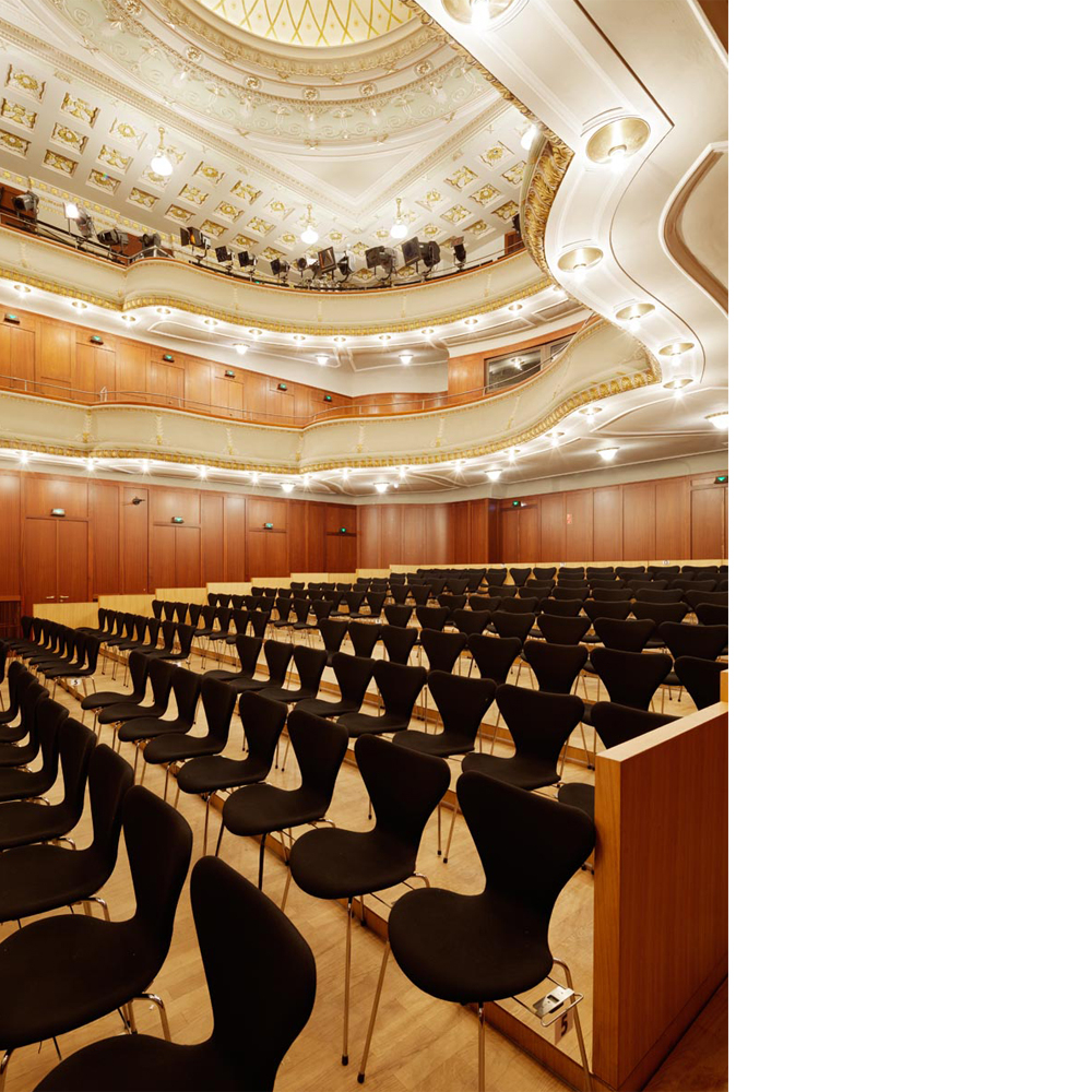 Theater und Philharmonisches Orchester I Alter Saal bestuhlt
