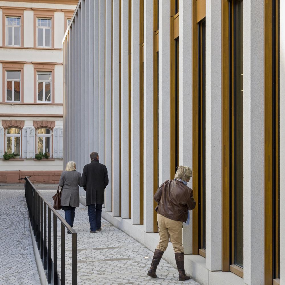 Theater_und_Philharmonisches_Orchester_Heidelberg_Fassade_Aussen